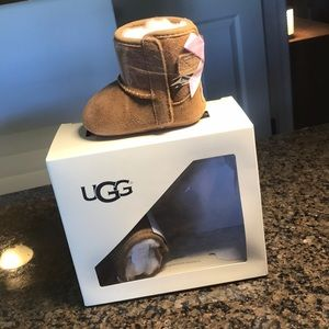 UGG baby JESSE BOW size 0/1